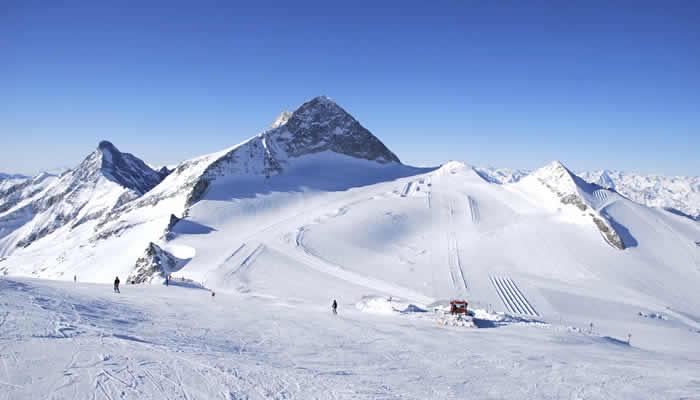 Skiën op grote hoogte en sneeuwzeker in Oostenrijk